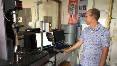 Projet FLOWER : du lin pour remplacer la fibre de verre - France 3 Bretagne